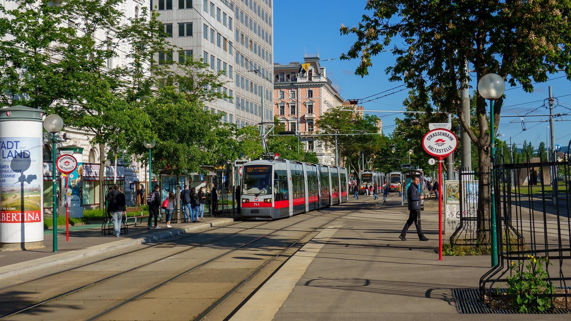 https://public-transport.net/tram/Wien2021/U2Z_Praterstern/slides/9118_360.jpg