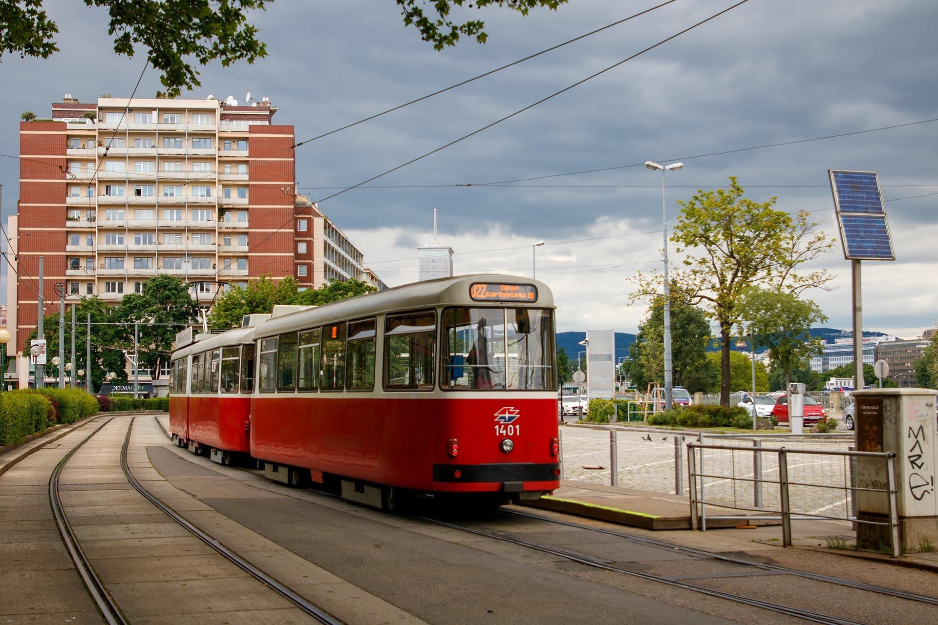 https://public-transport.net/tram/Wien2021/U2Z_Praterstern/slides/9118_387.jpg